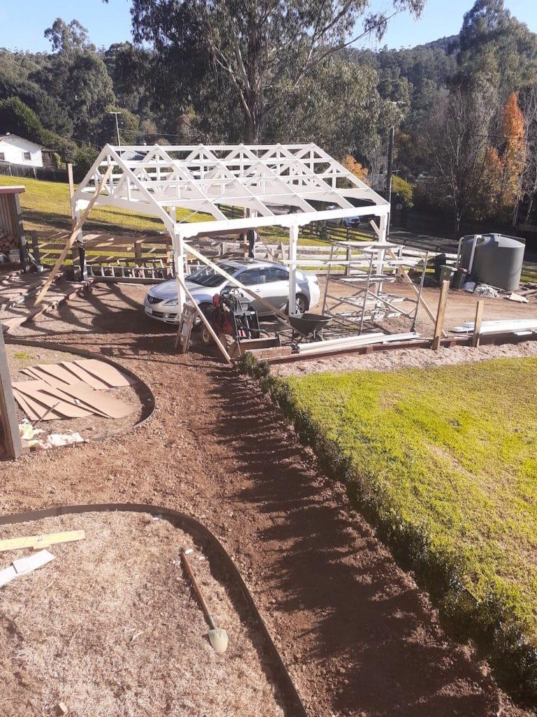 A garden & carport at Rosemont House